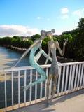 Escultura en el puente Baratashvili Foto de archivo libre de regalías