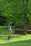 Escultura en jardín Fotos de archivo