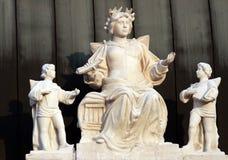 Escultura en la azotea Fotos de archivo