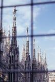 Escultura en los DI Milano del Duomo Imagenes de archivo