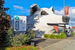 Escultura gigante del perro en Tirau, Nueva Zelanda imagen de archivo