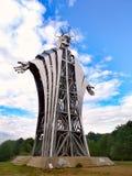 Escultura hecha por Zawaczky Gualterio La escultura más alta que representa a Jesús de Europa, de Lupeni, Rumania imágenes de archivo libres de regalías