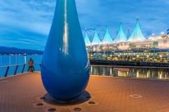 Escultura intitulada 'a gota ', Vancôver, Columbia Britânica, Canadá fotos de stock royalty free
