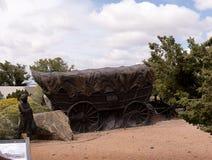 Escultura Lifesize na extremidade de Santa Fe Wagon Train Trail nos EUA Fotos de Stock