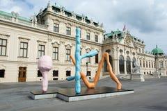 A escultura moderna de Franz West no palácio do Belvedere em Viena Imagens de Stock Royalty Free