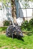 Escultura moderna do rato perto da universidade da arte e do projeto, Cl Fotos de Stock