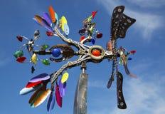 Escultura movible de Phoenix del artista Andrew Carson en el paseo público del arte en la ciudad de Yountville Fotografía de archivo