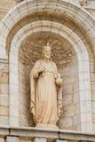 Escultura na fachada da igreja católica do casamento em Cana, Israel Fotografia de Stock Royalty Free
