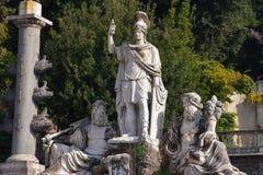 Escultura na praça del Popolo Fotografia de Stock Royalty Free