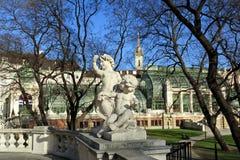 Escultura no jardim Burggarten Viena, Áustria imagem de stock royalty free