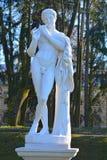 Escultura no jardim do palácio Gatchina, St Petersburg, Rússia Fotografia de Stock Royalty Free