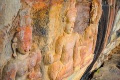 Escultura no penhasco de pedra imagens de stock