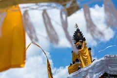 Escultura no templo hindu imagem de stock