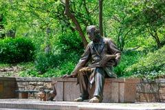 Escultura pública de Hans Christian Andersen en el Central Park, NYC imagen de archivo