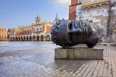 Escultura principal en el cuadrado de Rynek en Kraków Foto de archivo