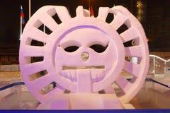 Escultura Sun na noite, cidade do gelo Fotos de Stock
