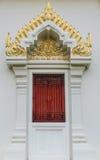 Escultura tailandesa da porta do templo Fotos de Stock Royalty Free