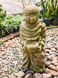 Escultura tailandesa tradicional divertida del jardín foto de archivo libre de regalías