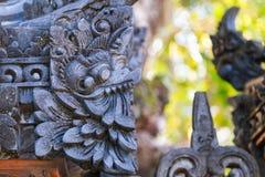 Escultura tradicional del garuda de la piedra del Balinese Imagen de archivo