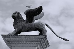 Escultura veneciana del león en Venecia, Italia, San Marco foto de archivo