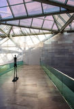 Escultura y arquitectura moderna en el edificio del este del Na Fotos de archivo libres de regalías