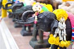 Escultura y flor del elefante para la adoración Fotografía de archivo