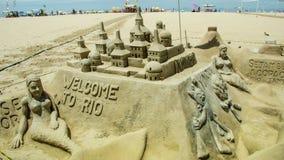 Esculturas da areia na praia de Copacabana em Rio de janeiro Imagens de Stock