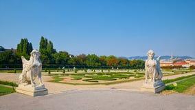 Esculturas da esfinge no palácio superior do Belvedere em Viena Foto de Stock