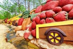 Esculturas de argila das frutas e legumes, a estrela de Dalat Foto de Stock