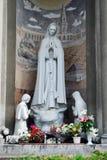 Esculturas de la iglesia de la Inmaculada Concepción de la Virgen María bendecida Foto de archivo
