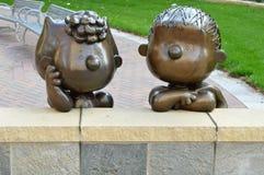 Esculturas de Sally e de Linus foto de stock