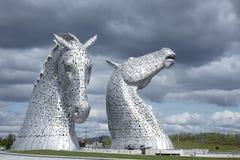 Esculturas del Kelpie en Escocia imágenes de archivo libres de regalías