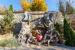 Esculturas do conto de fadas na vila de Buki Ukraine fotografia de stock royalty free