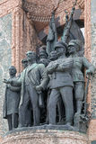Esculturas en el monumento de la república en el cuadrado de Taksim en Estambul Imagenes de archivo