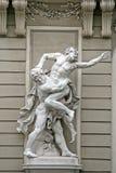 Esculturas Hercules Wrestling Antaeus perto do palácio de Hofburg em Viena, Áustria Imagem de Stock