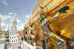 Esculturas magníficas del palacio Imagenes de archivo