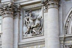 Esculturas no palácio de Palazzo Poli Poli Foto de Stock Royalty Free