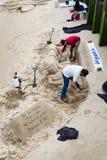 Esculturas Thames River da areia foto de stock royalty free