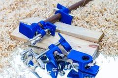 Escuro - braçadeira de tubulação azul Imagens de Stock