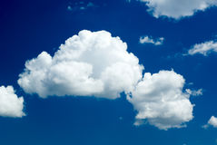 Escuro - céu azul Imagem de Stock