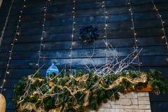 Escuro - decoração azul do Natal foto de stock royalty free