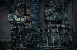Escuro e industrial imagens de stock royalty free