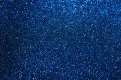 Escuro - fundo azul do chuveirinho fotografia de stock royalty free