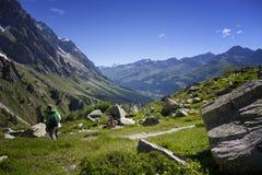 Escursione del fondo Mont Blanc è il più alto picco delle alpi occidentali europee Fotografia Stock Libera da Diritti
