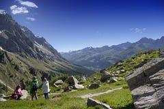 Escursione del fondo vicino a Mont Blanc, alpi occidentali europee Immagini Stock