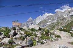 Escursione del fondo vicino a Mont Blanc, alpi occidentali europee Immagine Stock
