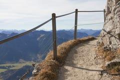 Escursione del percorso alla cima della montagna del wendelstein, la Baviera Fotografia Stock Libera da Diritti
