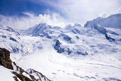 Escursione del percorso alle alpi svizzere Fotografie Stock Libere da Diritti