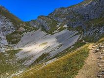 Escursione del percorso a Hochiss, alpi di Brandenberg nel Tirolo, Austria Fotografie Stock