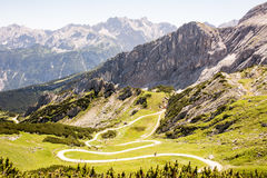 Escursione del percorso nelle alpi Immagini Stock Libere da Diritti